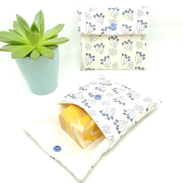 pochette imperméable petit format zéro déchet collection fleurs en bouquet